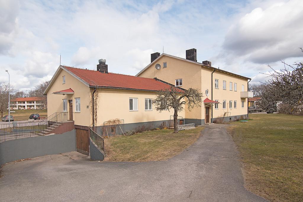 Kommungatan 12, Tjustvägen 22, Villavägen 27