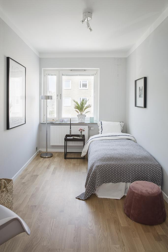 Sovrum 2 med plats för enkelsäng och t.ex. skrivbord