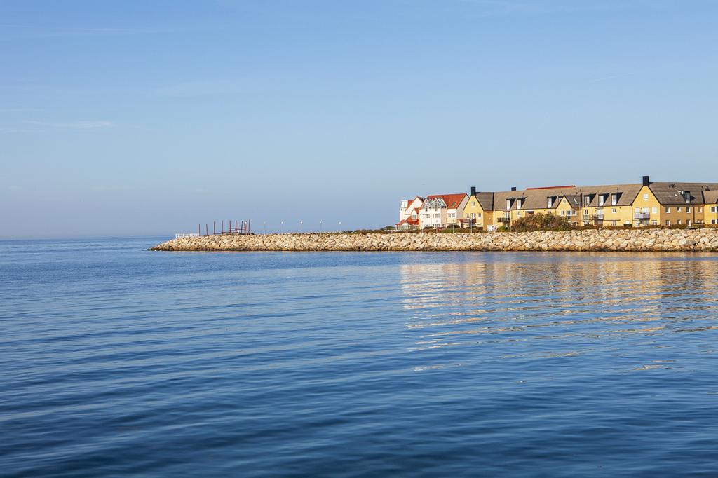 Ön, från Småbåtshamnen sett