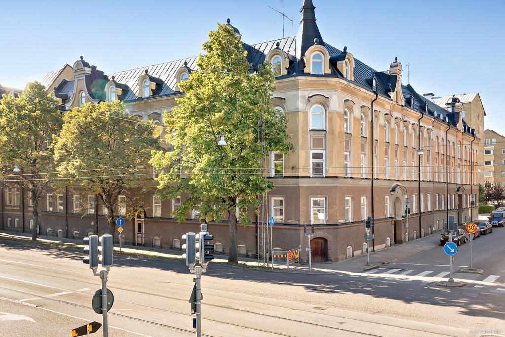 Östra Promenaden 22, Knäppingsborgsgatan 44 A-D