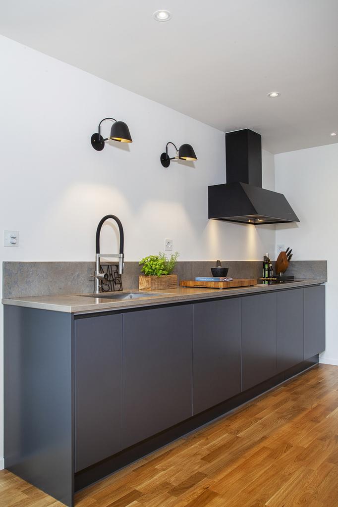 Köket byggdes om 2018, med inredning från HTH