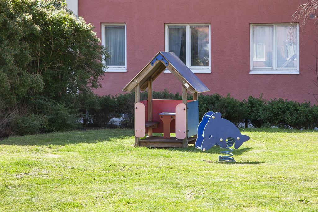 Lekplats på innergården