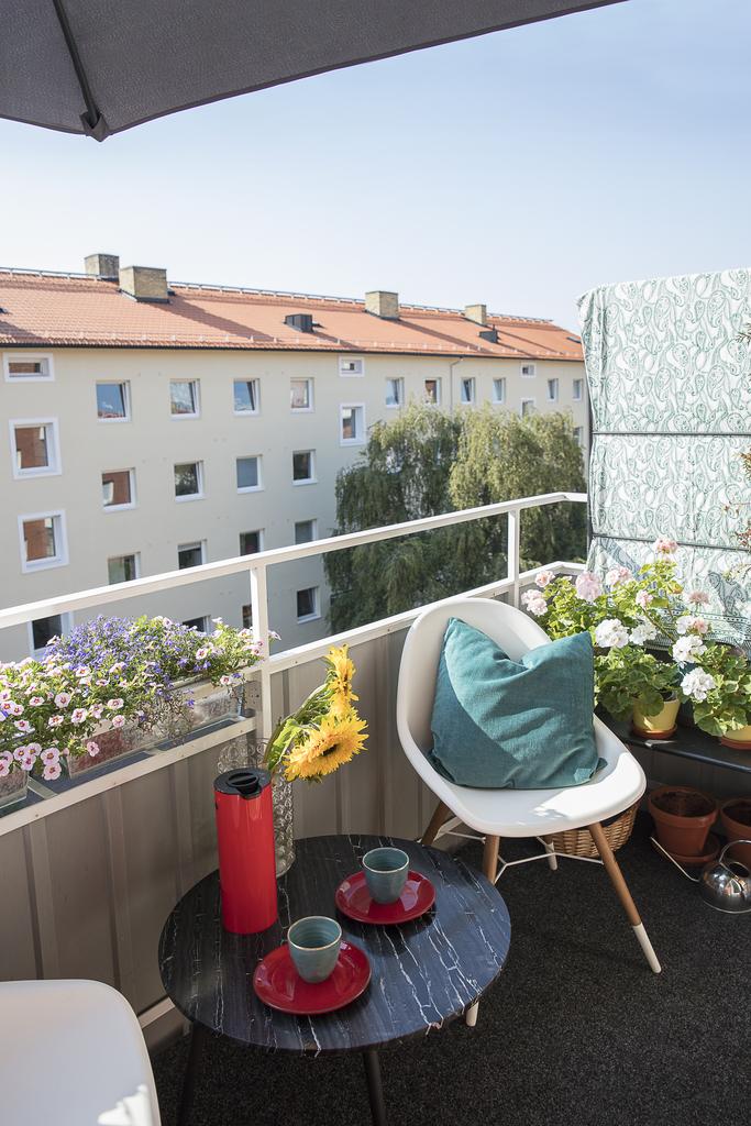 Balkongen med utsikt över innergården