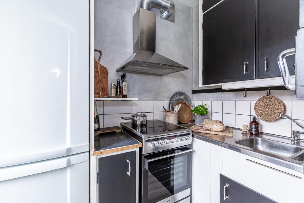 Kök med delvis nya vitvaror