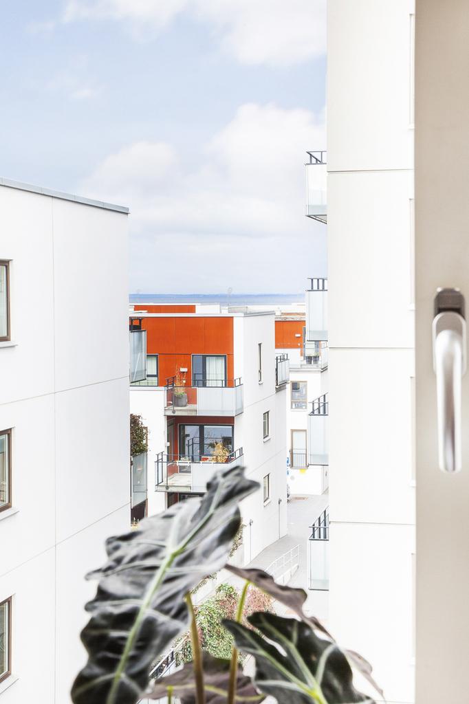 En glimt av Öresund från sovrumsfönstret