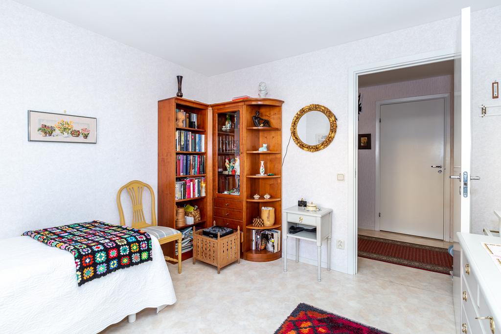 Bra golvyta ger många möbleringsmöjligheter.