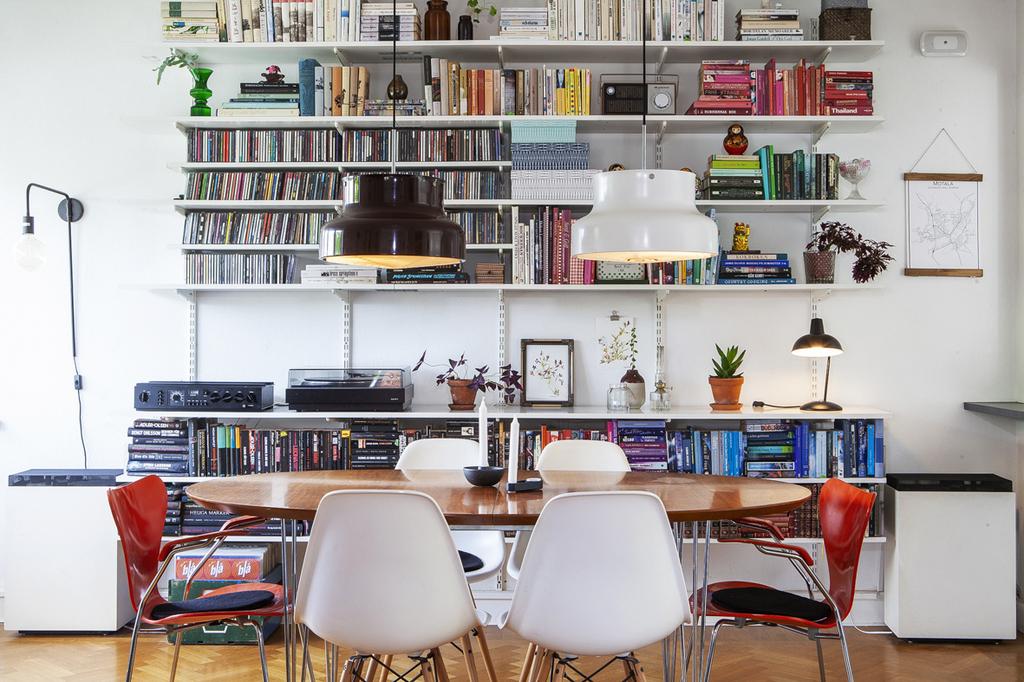 Matrum med plats för minst sex personer