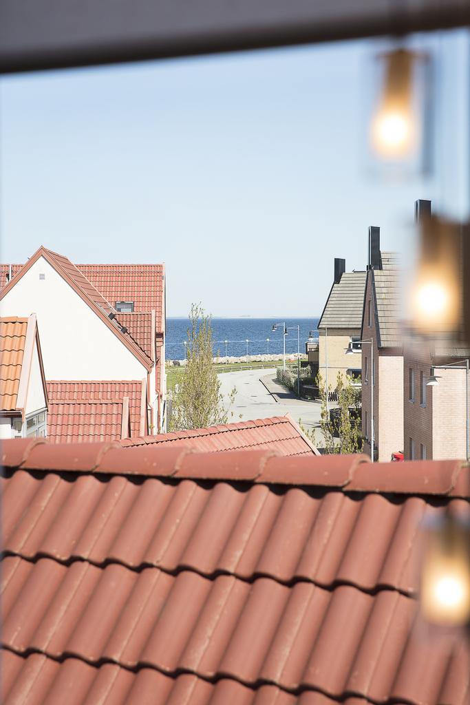 Från fönster mot norr så har man utsikt över öresund