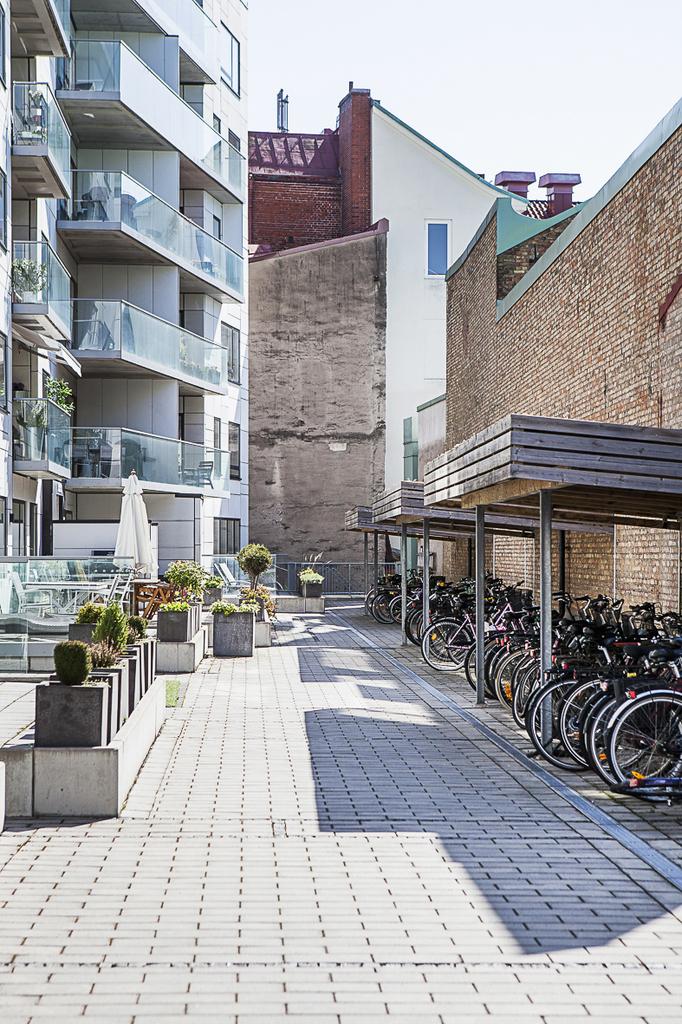 På gården finns det även plats för medlemmarnas cyklar
